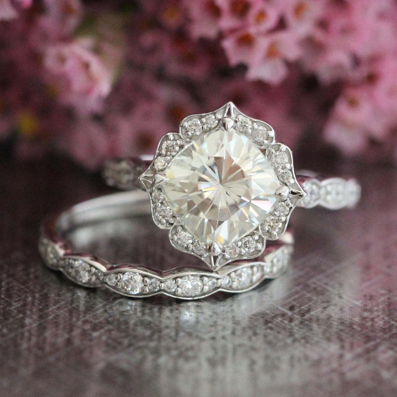 Wedding Set Vintage Floral Moissanite Engagement Ring And