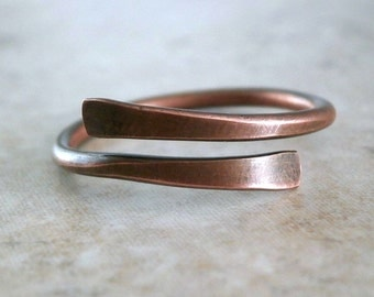 Simple Copper Ring Rustic Band Hammered Metal Jewelry Rustic Jewelry Handcrafted Band Unisex Ring Copper for Men Wire Ring Antiqued