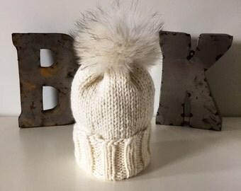 Cream Wooly Hat w. Fur POM POM