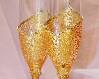 Royal Gold Wedding champagne flutes, Toasting flutes, Gold Wedding Glasses, Engagement glasses, Anniversary gift, Bridal shower gift