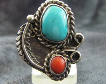 Creative Navajo Ring with Feather, Rope and Vine Design