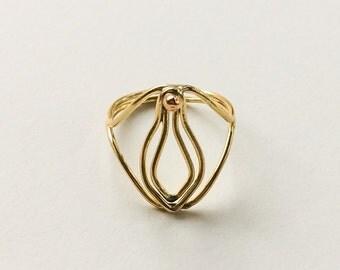 Little V Ring