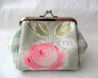 Green floral purse with a kiss lock frame. Coin Purse.