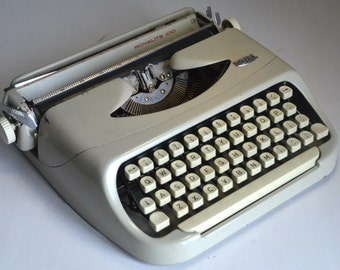 Working Typewriter - Royal Royalite 100 - Fully serviced - Working Perfectly