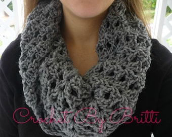 Lightweight Shell Cowl / Open Weave / Handmade by Britti