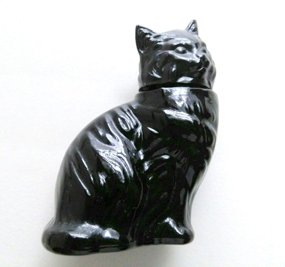 Avon Perfume Black Cat Bottle Sweet Honesty milk glass 1972 molded plastic head 3.5 inches tall