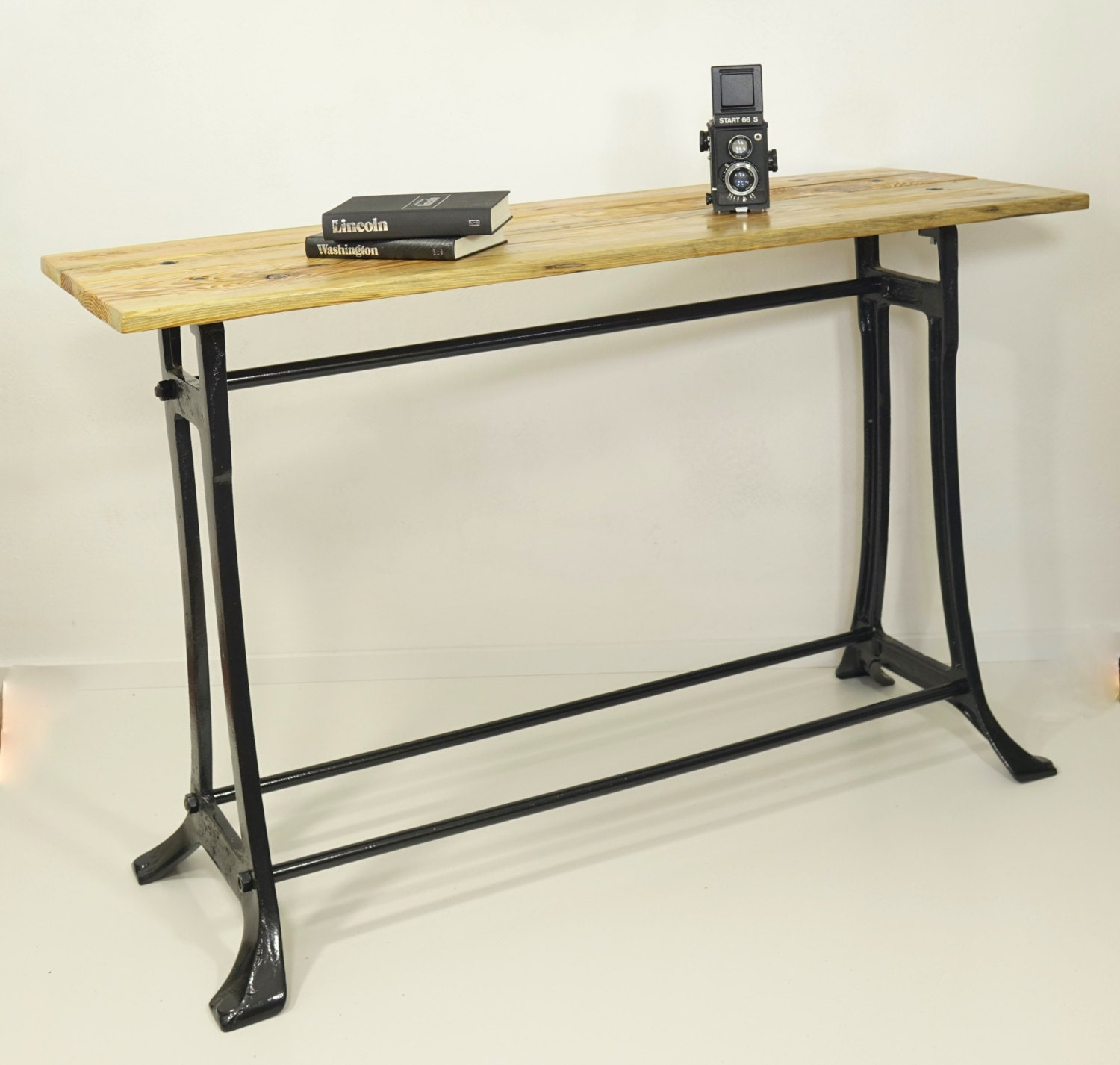 Industrial desk table of reclaimed wood on metal frame an for Table knitting