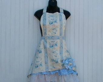 Womans Apron; Ladies Apron; Retro Apron; Vintage Apron; Lace Ruffled Apron; Cotton Apron; Kitchen Apron