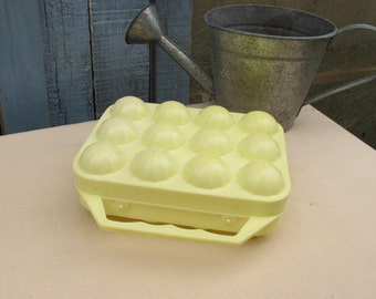 Box in plastic egg - basket eggs