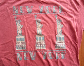 Vintage 90s Pink New York New York Statue of Liberty T Shirt