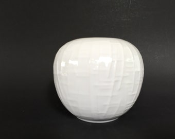 Royal  KPM Porzellan Bavaria Mid Century Germany small white porcelain 1960s ball Vase.