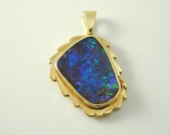 Opal pendant Andamooka 18 carat gold blues greens purples 5.8 grams