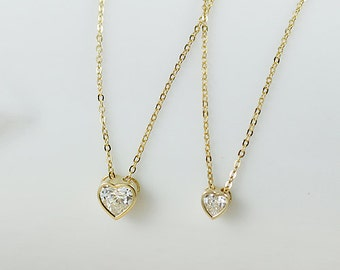 Simple and trendy 14K solid gold heart shape solitaire Cubic Zirconia pendant necklace