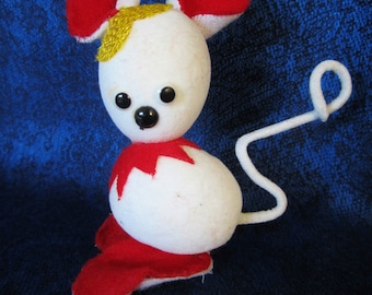 Vintage 1950 White Flocked Mouse Made in Japan-unusual ornament. Conversational piece and a great addition to your vintage collection. Cute!