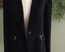 Pant Suit by TAHARI ARTHUR S. LEVINE: Size 14; Navy blue one-button Zipper Pockets Pant Suit; Elegant Business suit