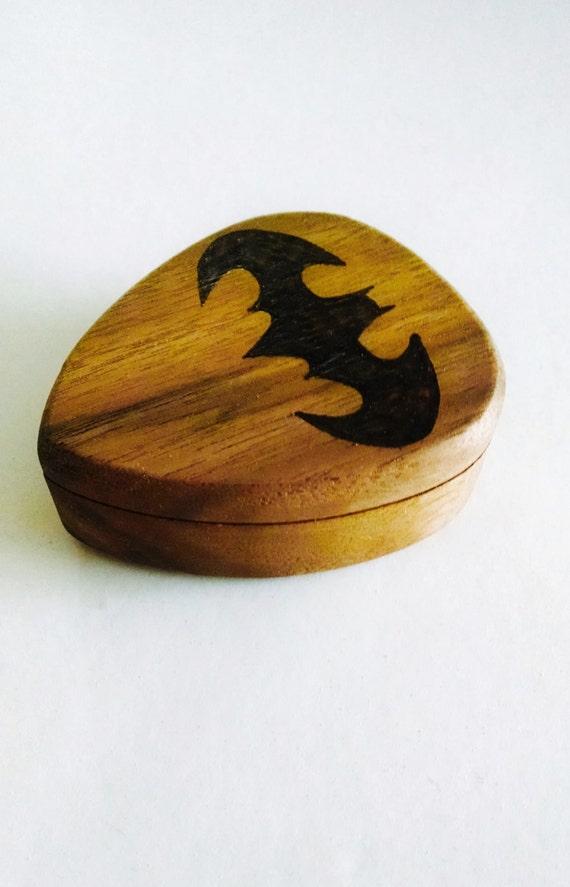 personalized batman guitar pick box and pick custom guitar. Black Bedroom Furniture Sets. Home Design Ideas