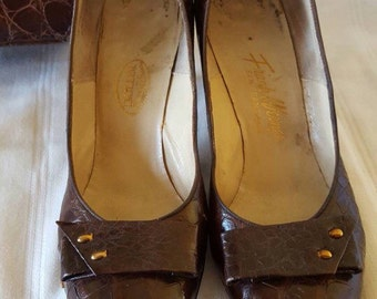 Genuine 40s / 50s Alligator Pumps With Matching Purse Size 8