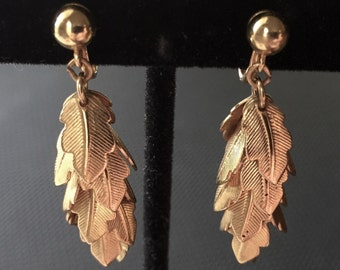 Trifari ™ Cascading Leaves Gold Tone Clip Earrings