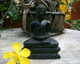 1970s Vintage Sri Lanka Highly Articulated Face Ebony Buddha Sitting In Lotus Wood Carving Figurine