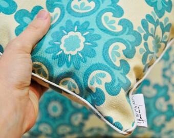 Pillows, Decorative Pillows, Decorative Pattern on Cream Background ,  Decorative Throw Pillows, Cushions, Wedding Gift
