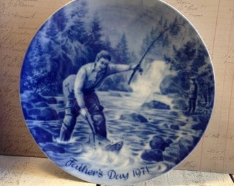 """Vintage Plate Royale Blue Winter China """"Father's Day 1971"""" Collectors Limited Edition Series 7 3/4"""" made in West Germany"""
