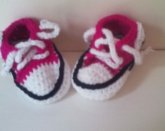 baby girl booties, hi top girl boots, crochet booties, baby boots 0-6 month's, newborn girl booties, Crochet girl booties, ready to ship