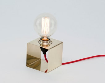 LJ LAMPS PI square - brass lamp
