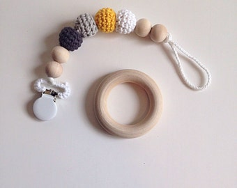 Crocheted Beads Pacifier Clip -- Eco-friendly pacifier clip -- crocheted wooden beads -- Baby Teether