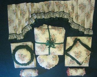 Vintage 11 piece tea rose pattern bedding set.