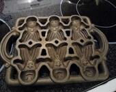 Vintage John Wright Gingerbread Man Baking Pan Cast Iron Mold on Sale