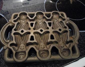 Vintage John Wright Gingerbread Man Baking Pan Cast Iron Mold