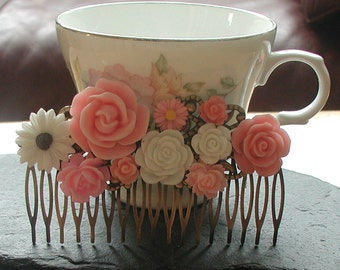 Vintage Inspired Antique Bronze Tones Shades of Pink Resin Flowers Hair Comb