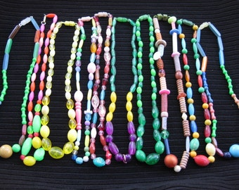 Vintage New Orleans Mardi Gras beads, made in  Hong Kong 1960's (A)