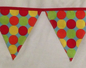 Handmade fabric bunting: colourful spots for a party - 3m of flags