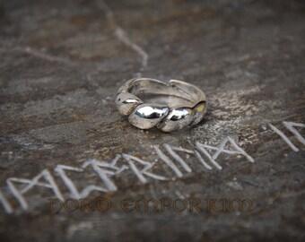 Gyldensgård Ring (sterling silver) viking woman jewelry