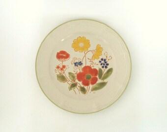 Design Two Stoneware Retro Flowers Platter