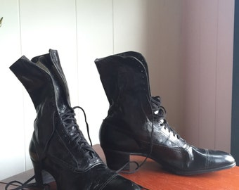 Early 1900s Victorian Boots // Black Leather // Lace- Up // 8 // 38 // AAA