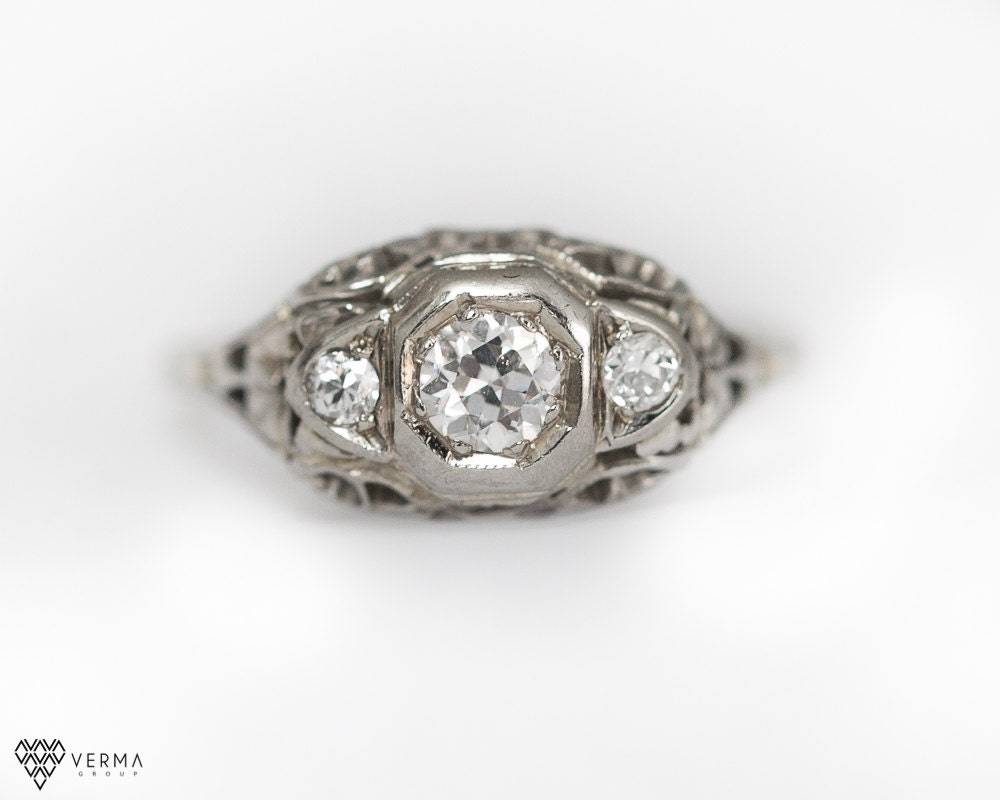 Antique 1930s Diamond Engagement ring with Filigree Detail