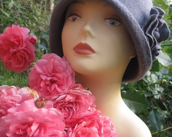 Cloche hat Felted hat Hat cloche Grey felt hat Grey cloche hat Grey hat Felt cloche hat Fall hat Hat felt Cloche felt hat Retro hat 1920 hat