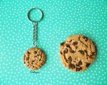 Realistic Chocolate chip cookie keychain / miniature food / polymer clay jewelry