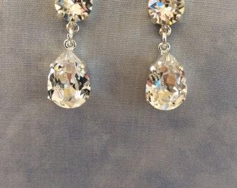 Swarovski Clear Crystal Teardrop Earrings, silver or gold, bridal earrings, wedding earrings, bridesmaid earrings, stud earrings