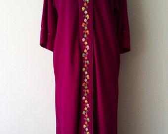 70's folksy robe, M, L, fuchsia robe, velour robe, folksy robe, embroidered robe, velvet robe, purple robe, zip front robe