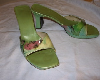 Via Spiga Vintage Green Print Heels Size 6 1/2 M