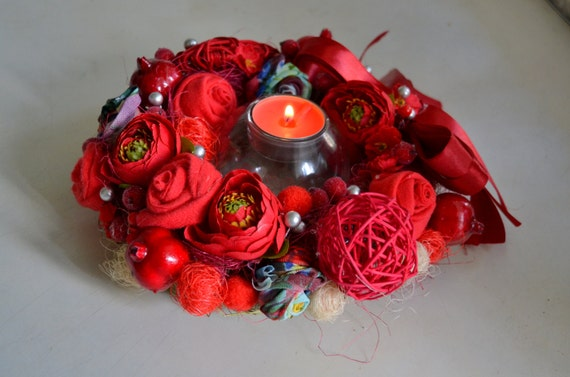 Red candle wreath flower centerpiece by sophiedecor