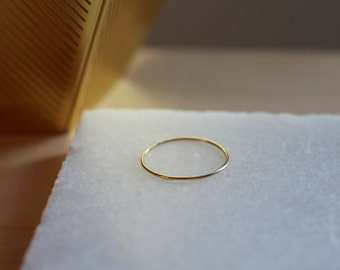 9ct gold solid fine ring | 0.8mm fine gold ring | stacking ring | handmade