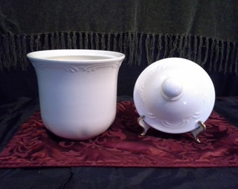 """Vintage Pfaltzgraff ceramic """"Filigree"""" design -SMALL size-white/off-white canister with lid- food storage/cookie jar-Kitchen decor"""