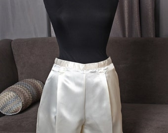 Satiny, off-white culottes