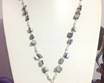 Lustre shell necklace
