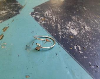 Adjustable minimalistic Ring Arrow simple