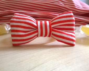 Red and white striped bow bracelet